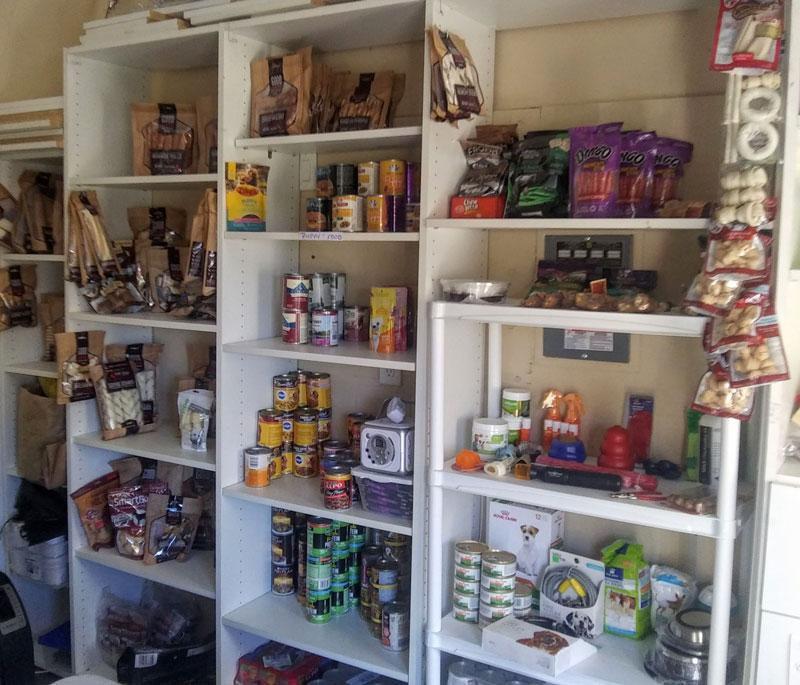 karen-scott---inside-food-bank-2MH